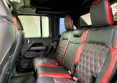 2020 jeep wrangler unlimited sahara 4x4 4dr suv 13